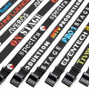 Arno spännremmar med logo och svarta spännen